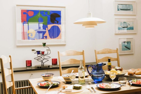 Dining table in Upper