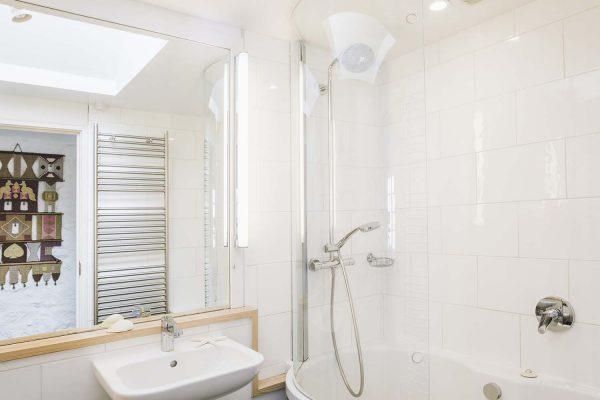 Bathroom of Upper Saltings